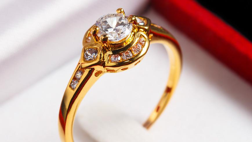 Jewelry Sales, Where to Buy Jewelry: Cranston, RI | Roman ...